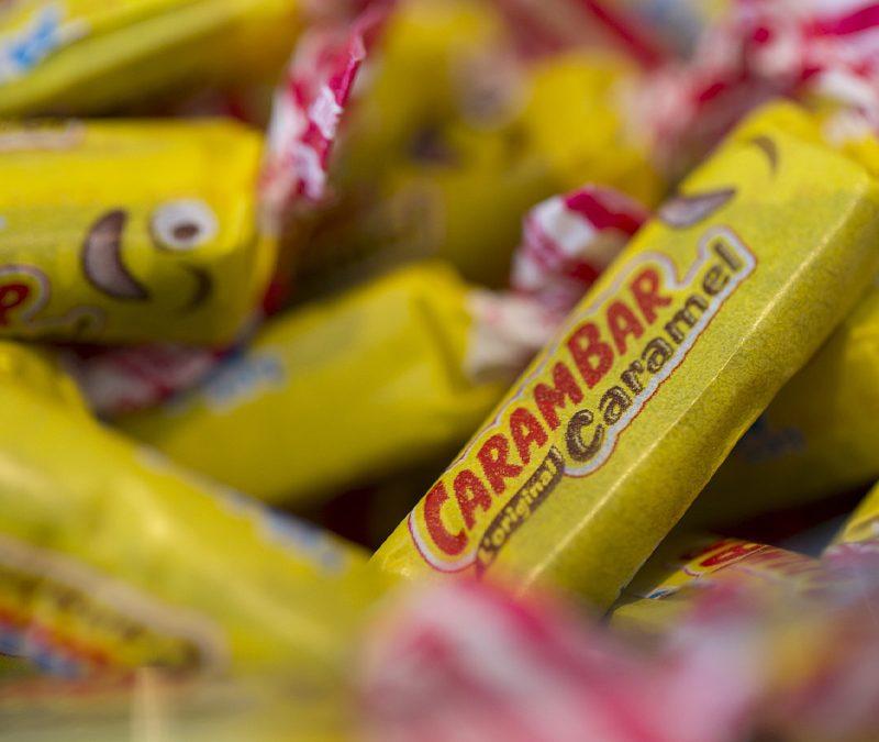 Scandale: le carambar est fabriqué avec de la Patafix!